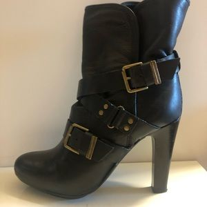 DKNY Sandra leather ankle boots/bootie, size 9.5